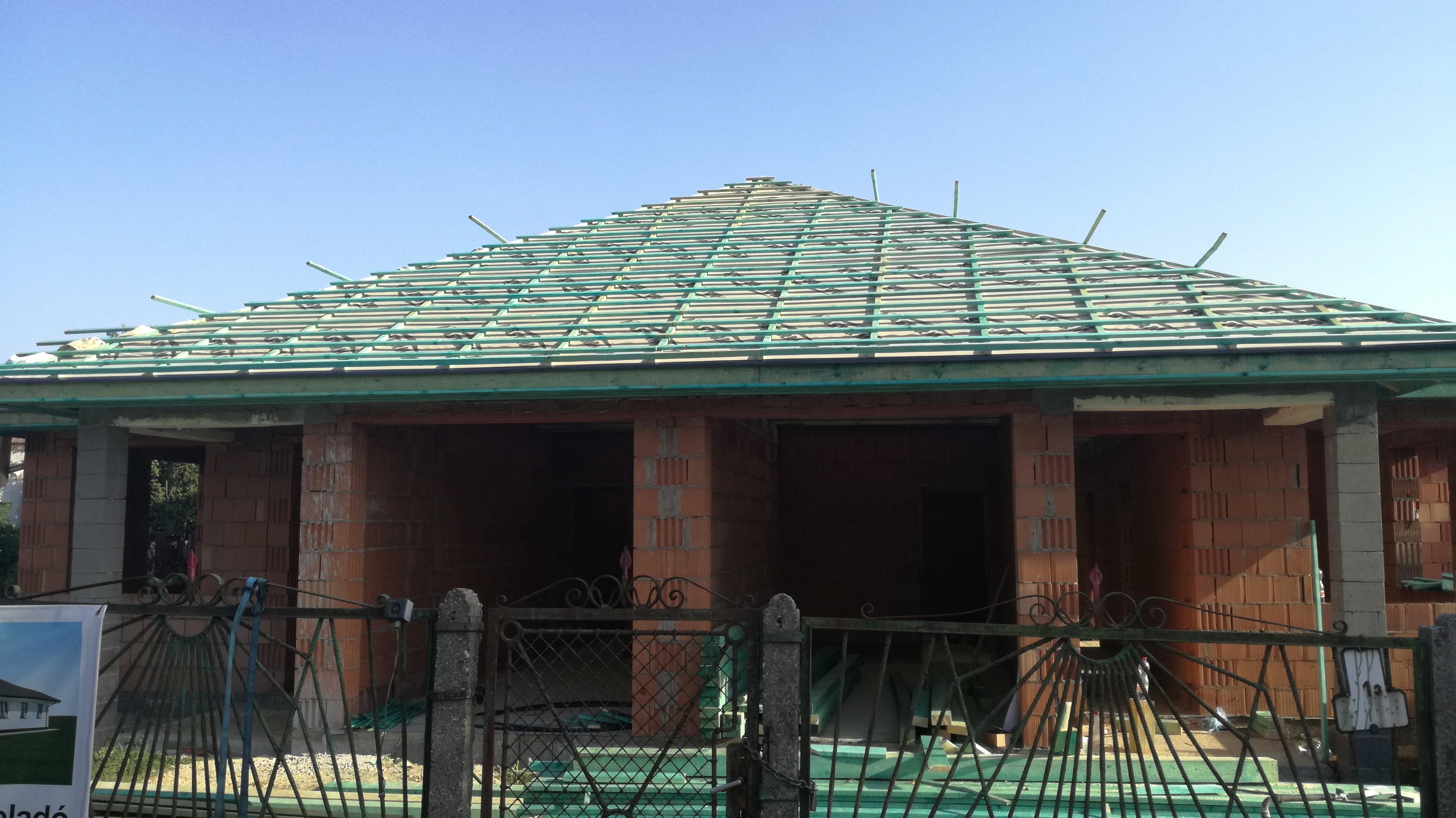 Készül a ház, Tető szerkezet